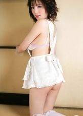 Yuuri Morishita shows her sexy curves in white lingerie